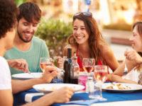 日本で最も飲食にお金を使っている外国人はどこの国なのか?