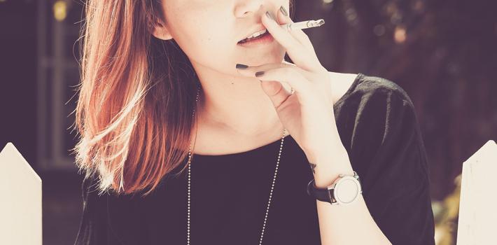 「飲食店内での喫煙」について日本人119人と外国人110人に調査
